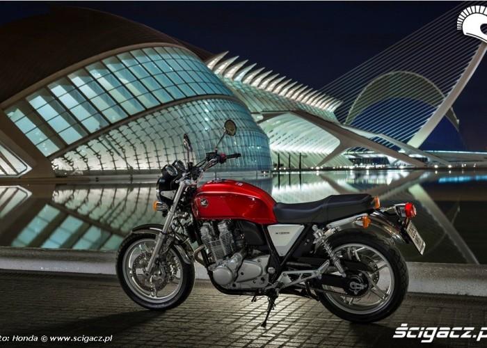 Honda CB1100 lewy profil