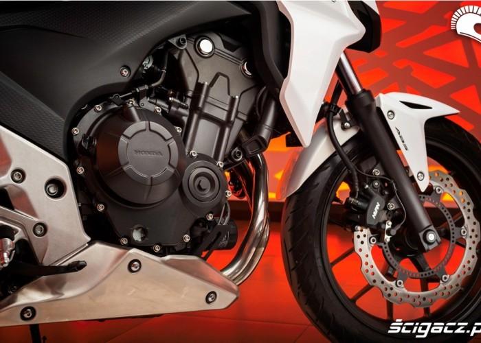 Honda CB500F 2013 silnik