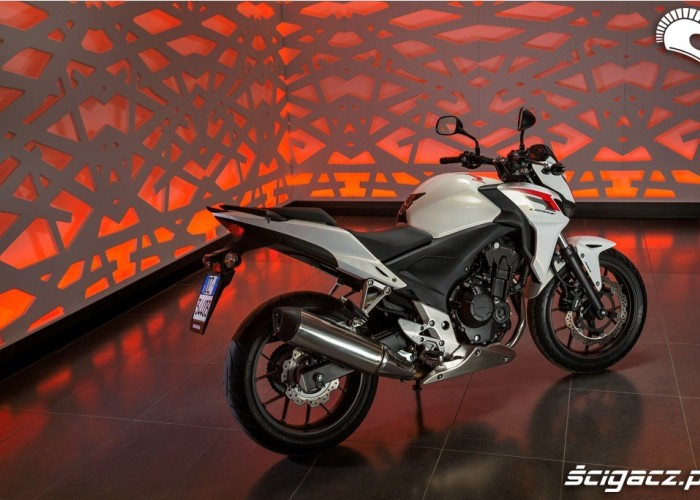 Prawy profil Honda CB500F 2013