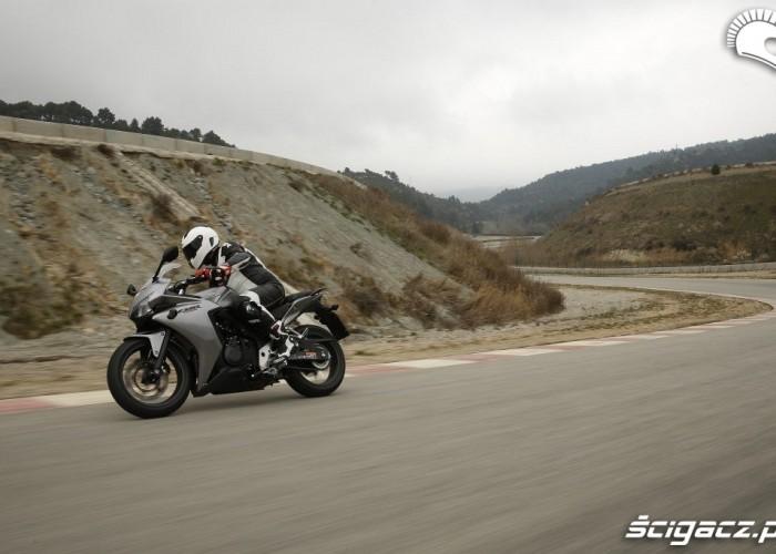 Honda CBR500R 2013 na wirazu