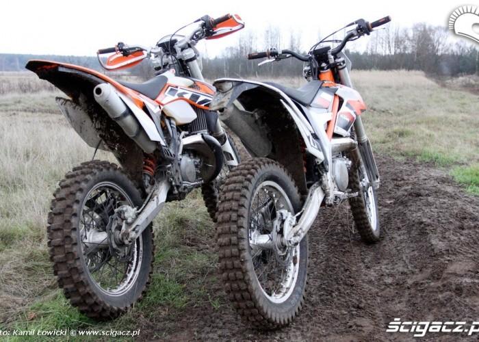 freeride i exc z tylu KTM 250 Porownanie