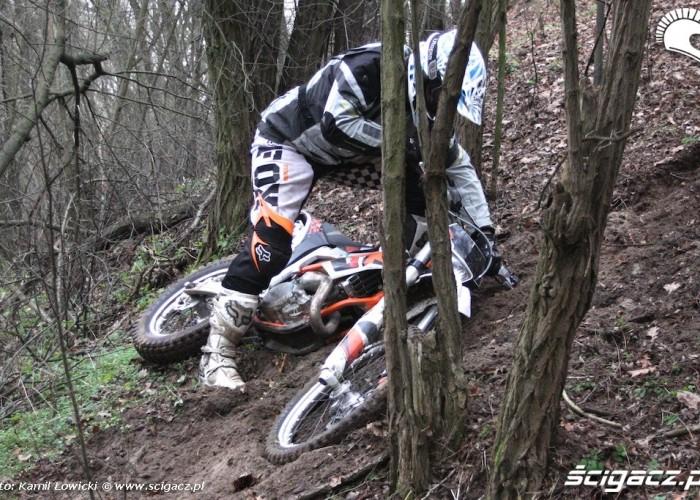 lekki upadek na gorze KTM 250 Porownanie