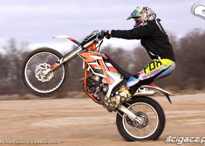 na kole KTM 250 Porownanie