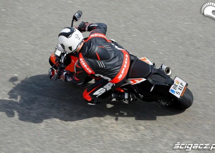 Akcja KTM SuperDuke 1290 R