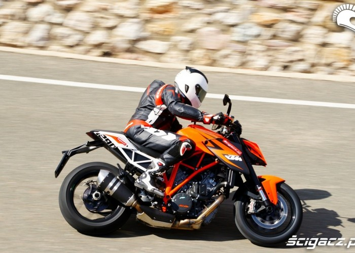 KTM SuperDuke 1290 R ride