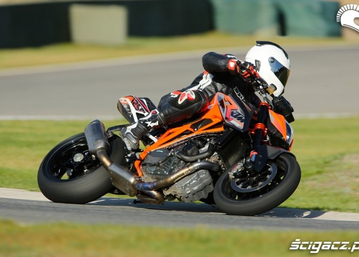 Race KTM SuperDuke 1290 R