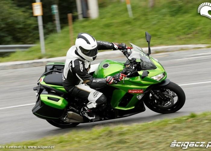 Na trasie 2014 Kawasaki Z1000SX
