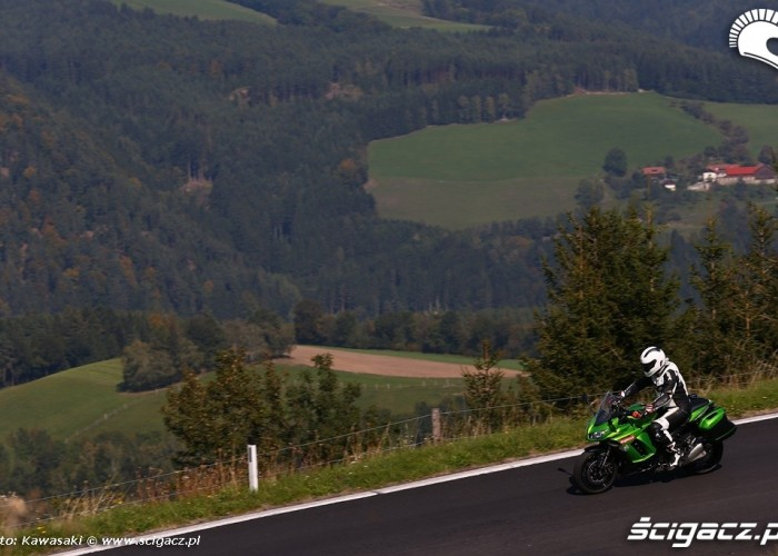 Po gorach 2014 Kawasaki Z1000SX