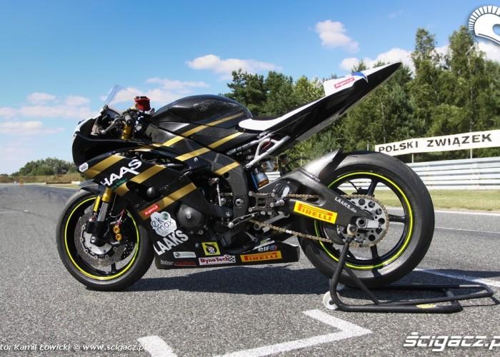 Yamaha R6 Supersport profil