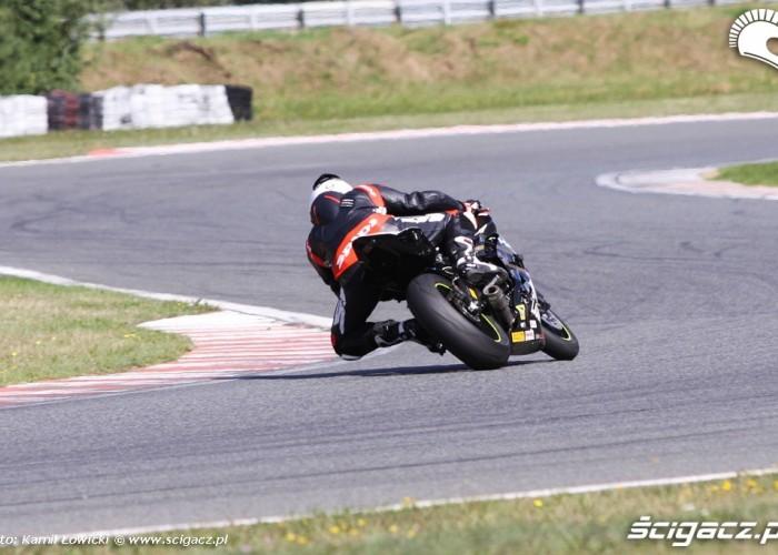 Zmiana kierunku Yamaha YZF R6 Supersport