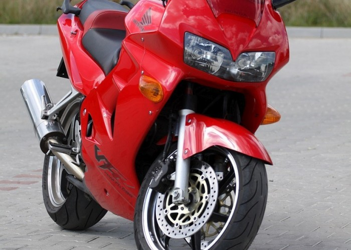 przod motocykla VFR