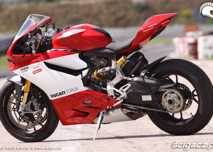 lewa strona Ducati Panigale S Scigacz pl