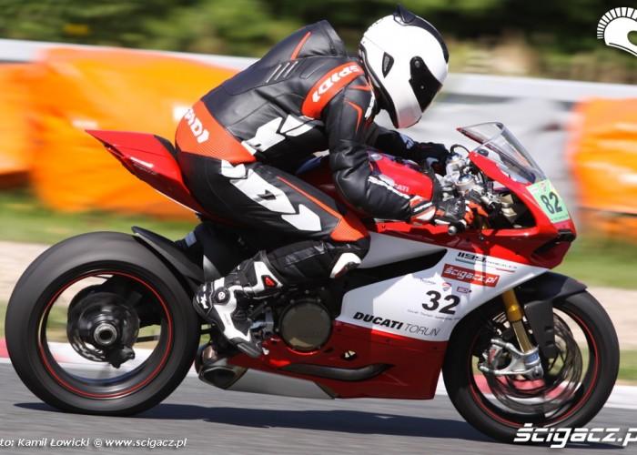 na torze Ducati Panigale S Scigacz pl