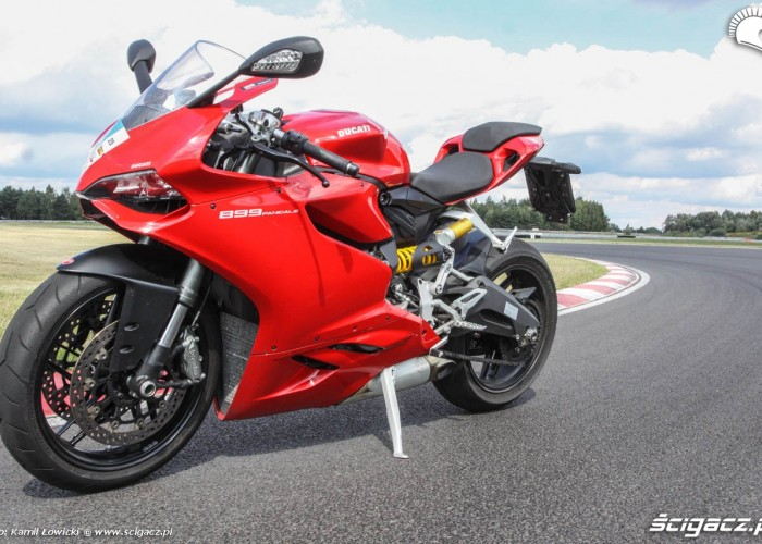 Ducati 899 Panigale MY2014 lewy profil