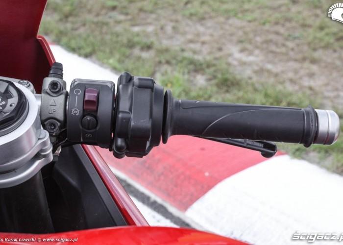Prawa kierownica Ducati 899 Panigale