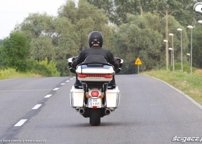 Harley Davidson Electra Glide Ultra Classic 2014 na drodze
