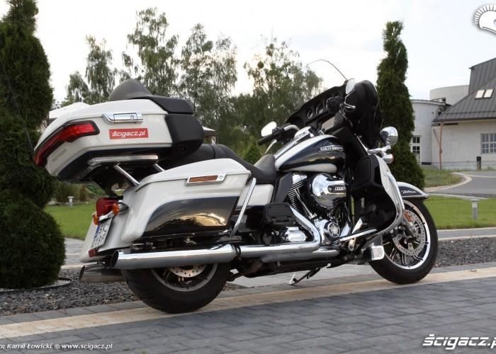 Harley Davidson Electra Glide Ultra Classic prawy bok