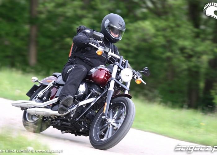 Harley Davidson Street Bob Special Edition 2014 jazda