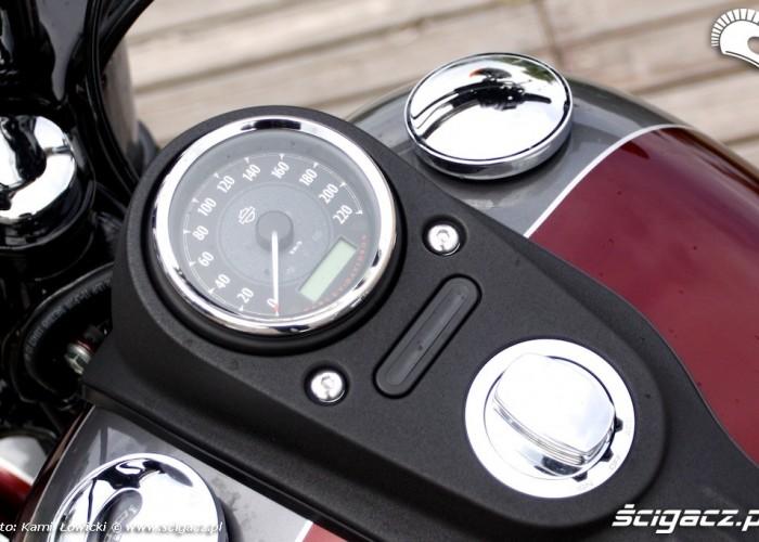 Harley Davidson Street Bob Special Edition zegary