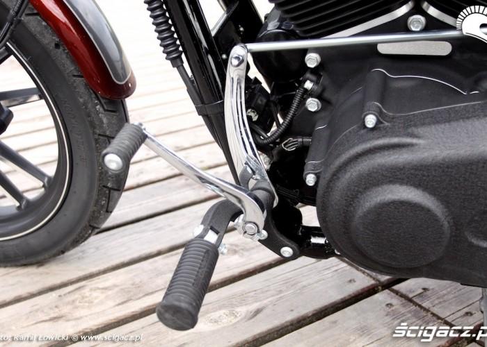 Podnozki Harley Davidson Street Bob Special Edition