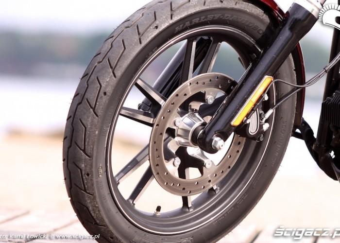 Przednie kolo Harley Davidson Street Bob Special Edition