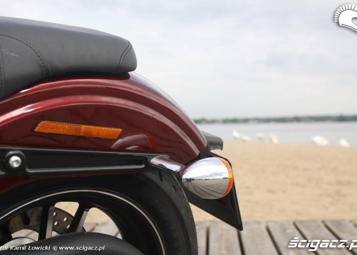 Siodlo pasazera Harley Davidson Street Bob Special Edition