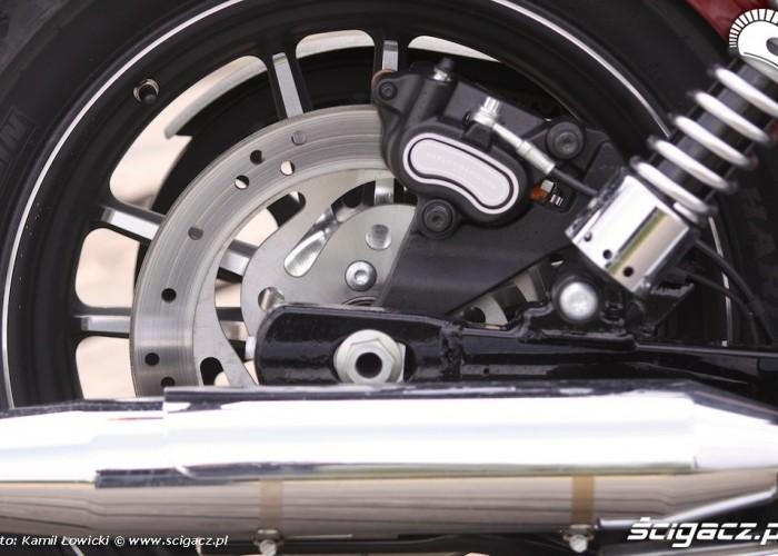 Tylny hamulec Harley Davidson Street Bob Special Edition