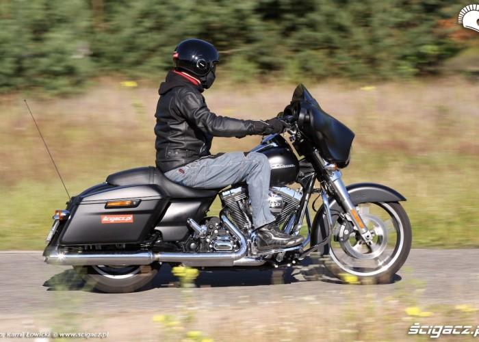 Harley Davidson Street Glide 2014 profil