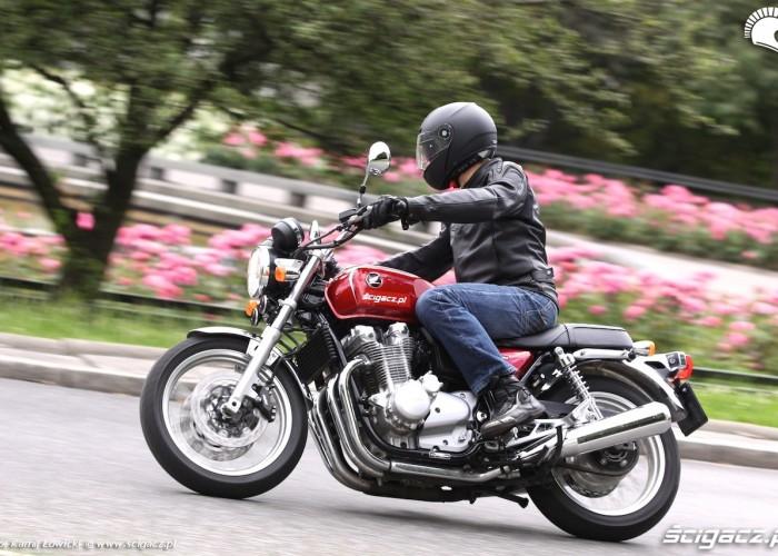 Honda CB1100 EX w trasie