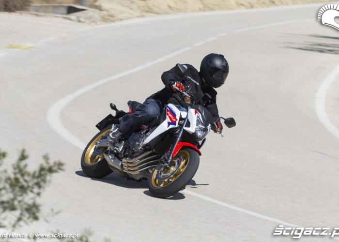 Na ulicy Honda CB650F 2014