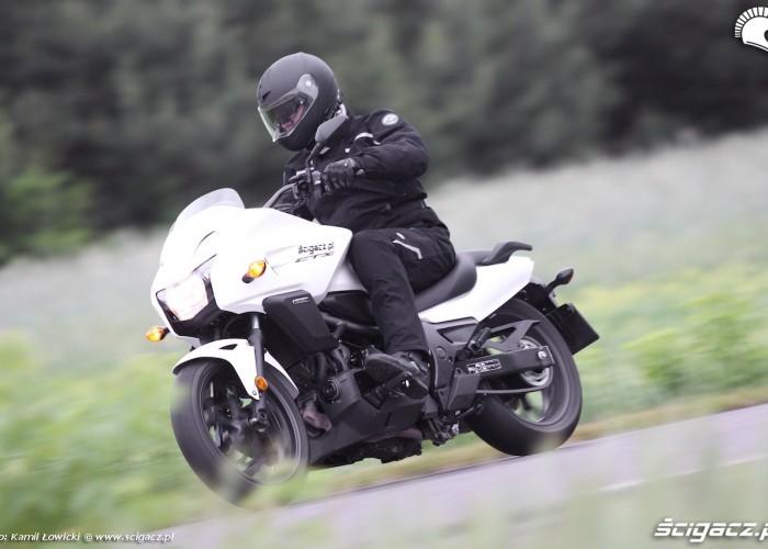 Nowa Honda CTX700 2014 w ruchu