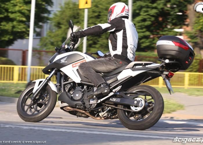 Honda NC 750 X 2014 zakrety