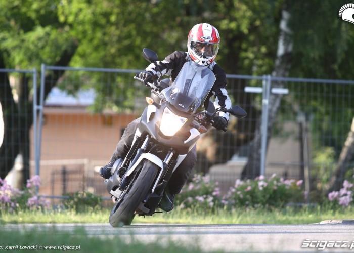 Zakrety Honda NC 750 X 2014