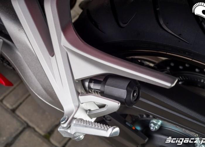 Honda VFR 800 2014 regulacja tlumienia
