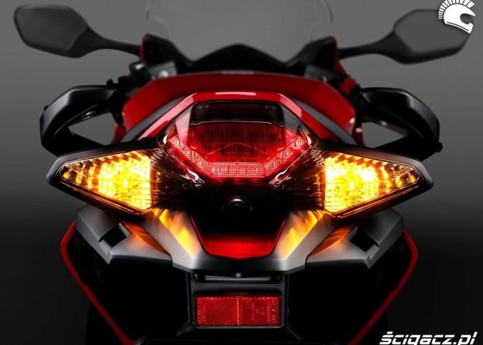 Honda VFR 800 2014 tylna lampa