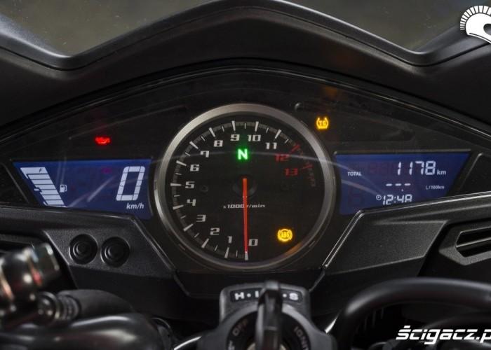 Honda VFR 800 2014 zegary