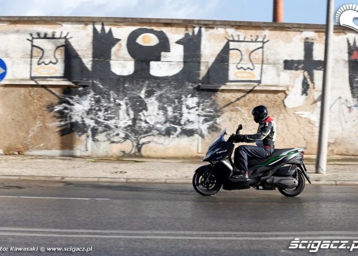 Grafiti Nowe Kawasaki J300 2014