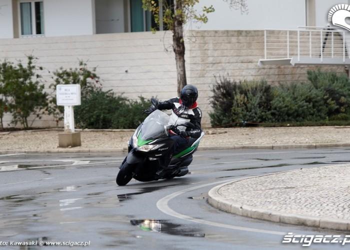 Nowe Kawasaki J300 2014