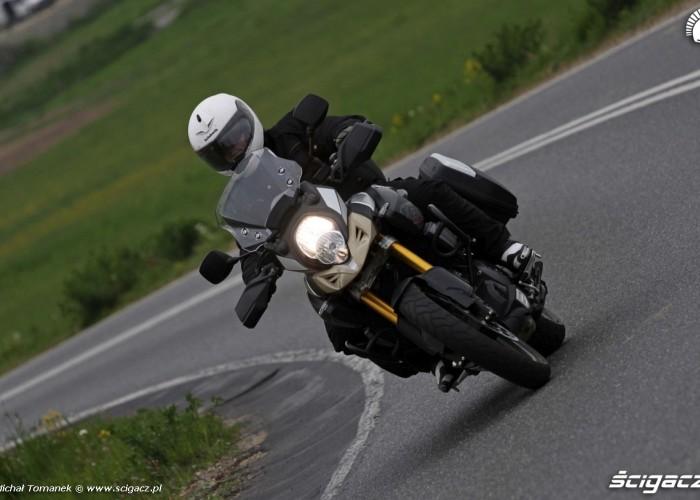 przod Suzuki DL1000