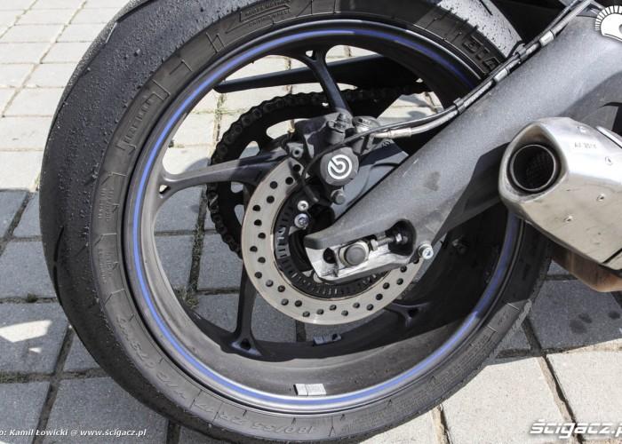 Daytona 675 tylny hamulec