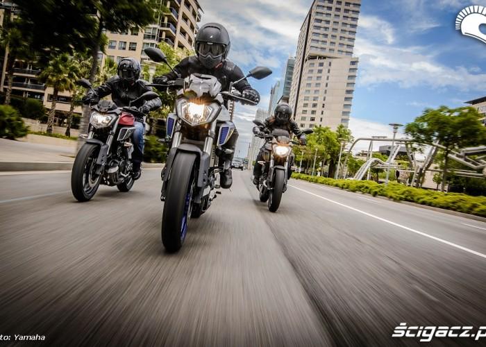 Motocyklisci na Yamaha MT 125
