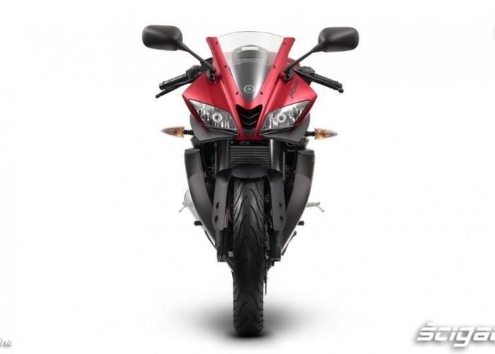 2014 Yamaha YZF R125 z przodu