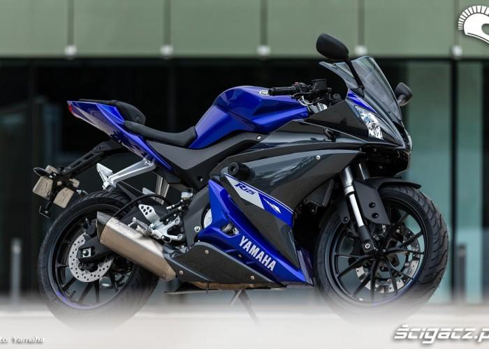 Yamaha YZF R125 statycznie
