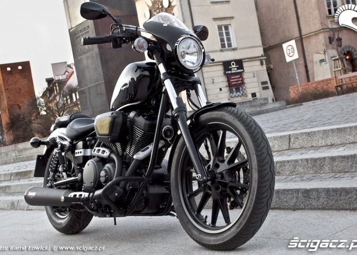 Od przodu Yamaha XV950 Bolt 2014