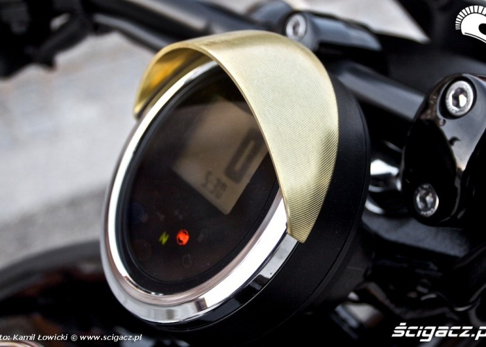 Predkosciomierz Yamaha XV950 2014