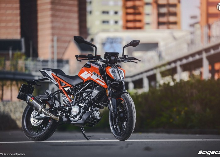 ktm duke 125 galeria zdj. Black Bedroom Furniture Sets. Home Design Ideas