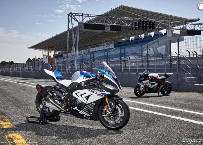 BMW HP4 Race 001