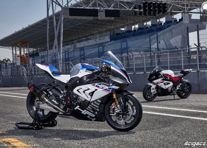BMW HP4 Race 002