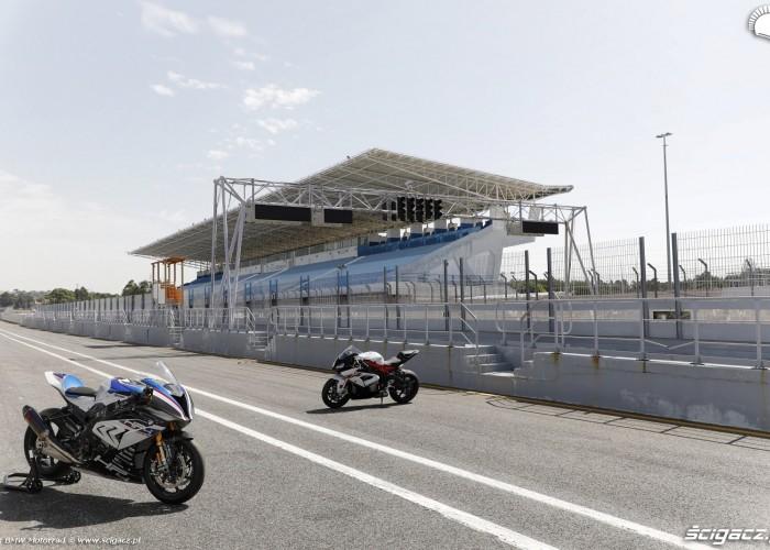 BMW HP4 Race 003