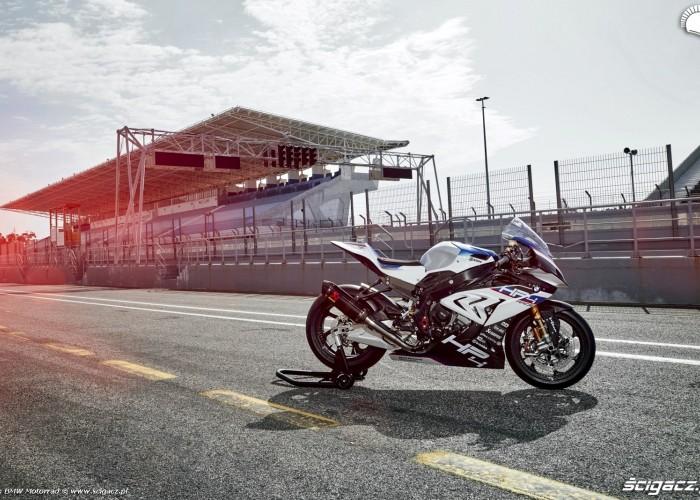 BMW HP4 Race 007